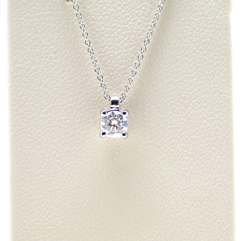 Chain And Pendant In 18K White Gold With Diamond 0,10 Cts