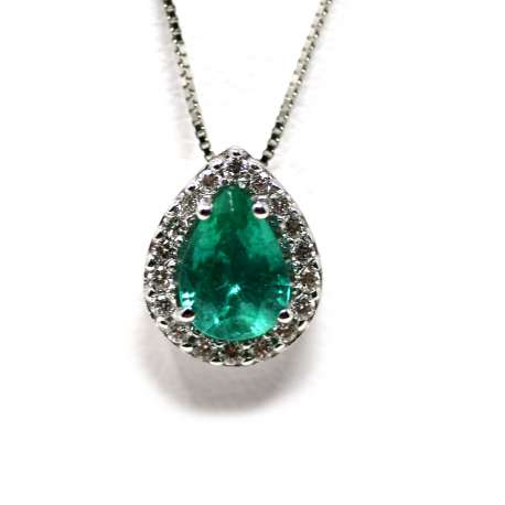 Emerald Chain and Pendant 0.75 Ct 18Kt